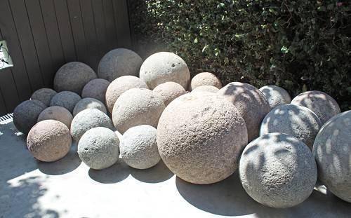 Полые бетонные шары
